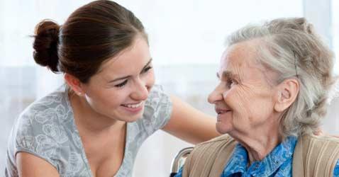 Женщина с бабушкой
