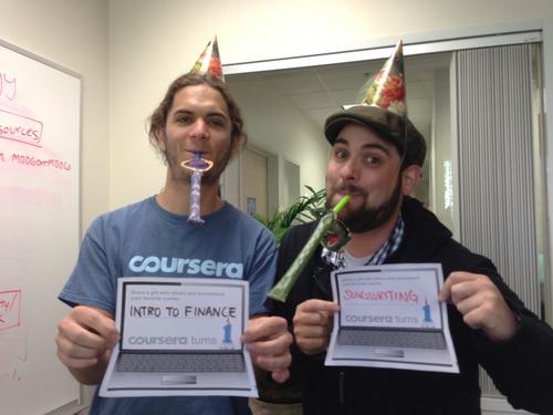 Счастливые выпускники Coursera