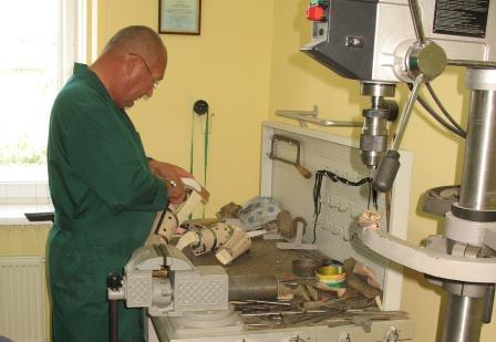 Фото: Процесс изготовления протеза