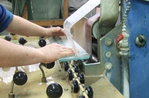 Работа на стеклообрабатывающем станке