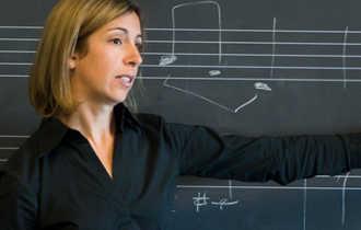 Преподаватель в музыкальном училище