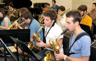 На занятиях с саксофоном