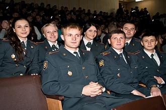 Студенты вуза МВД
