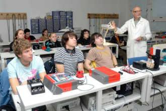 Обучение радиоинженерии