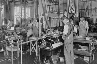 В 19 веке на фабрике