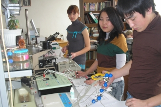 Студенты факультета биотехнических систем на занятиях