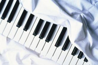 Клавишный музыкальный инструмент
