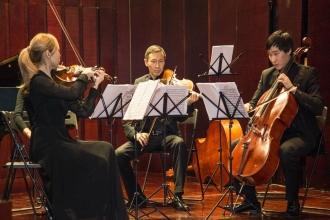 Оркестр на сцене
