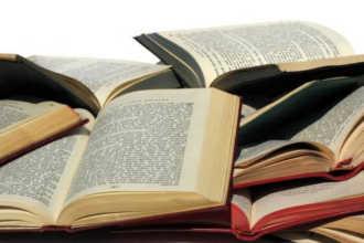 Много раскрытых книг