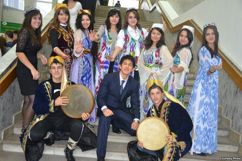 Узбекские студенты на репетиции