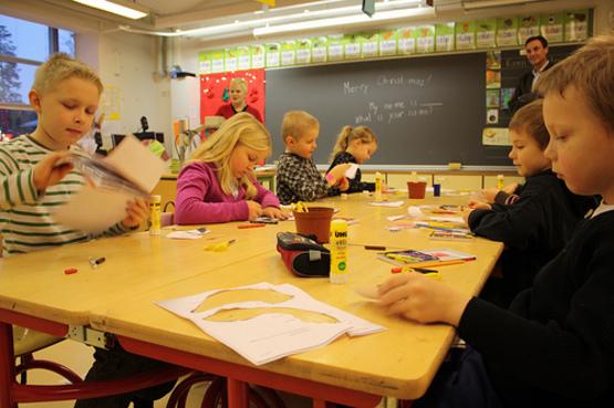 Дети в начальном классе финской школы