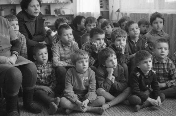 Малыши в советском детском саду
