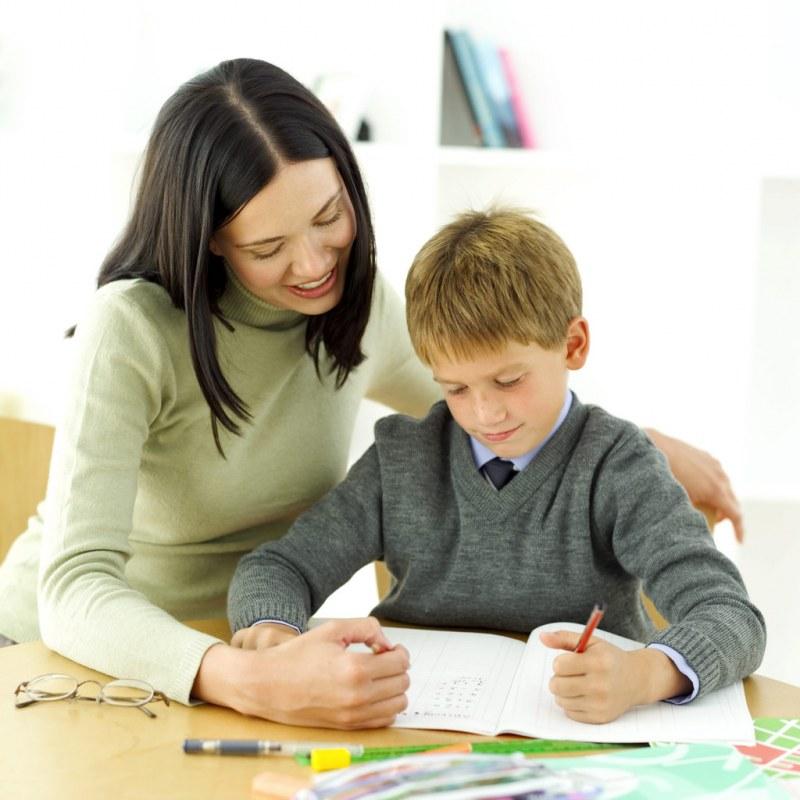 Педагог-психолог с учеником