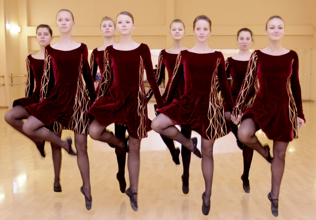 Девушки танцовщицы