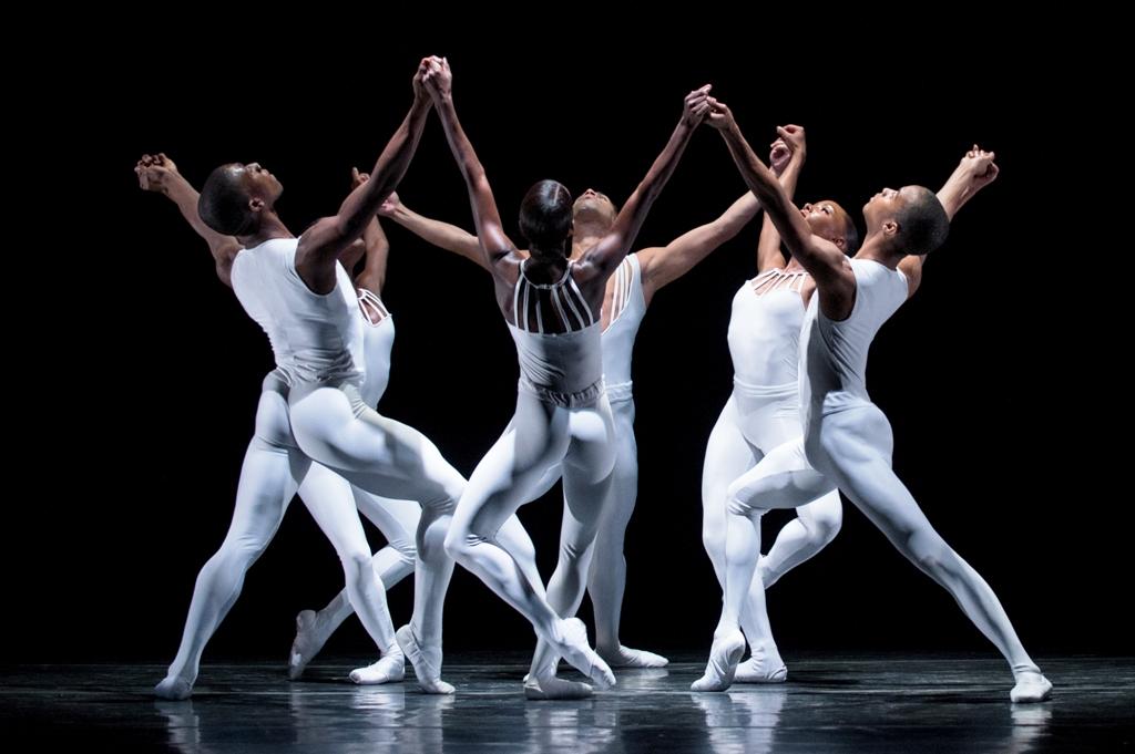 Танец в стиле джаз-модерн