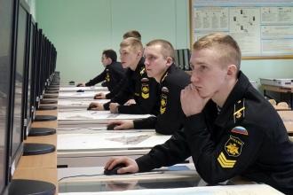 Ученики военного училища на уроке
