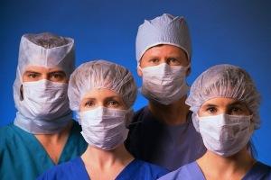 Группа медиков в масках