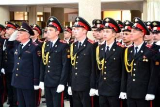 Воспитанники суворовского училища