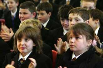 Школьники аплодируют