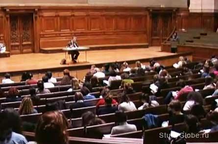 На лекции в Сорбонне