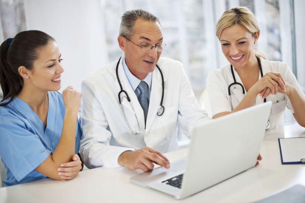 Медики проходят курс повышения квалификации дистанционно